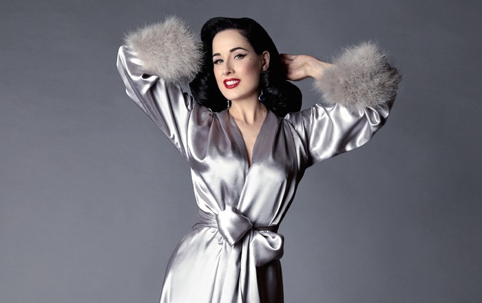 Let's all swoon over the beauty that is Dita Von Teese's vintage-inspired dressing robe