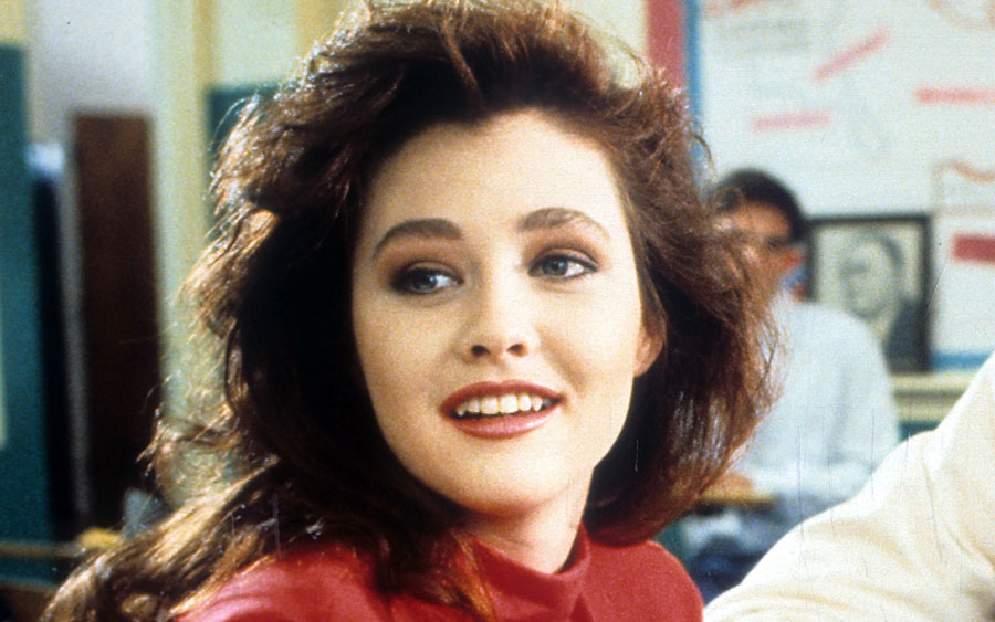 "Shannen Doherty is back for the ""Heathers"" remake, and she released the first photo"