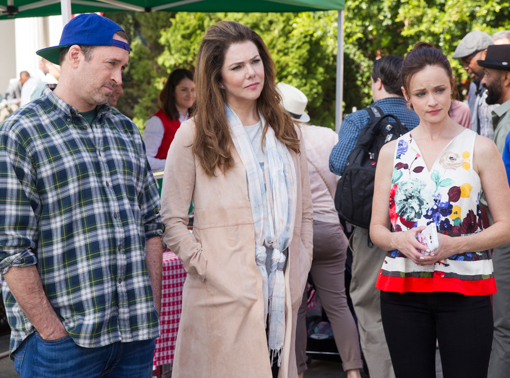 "The shirt Lauren Graham wore on Day 1 of the ""Gilmore Girls"" revival has a special name"