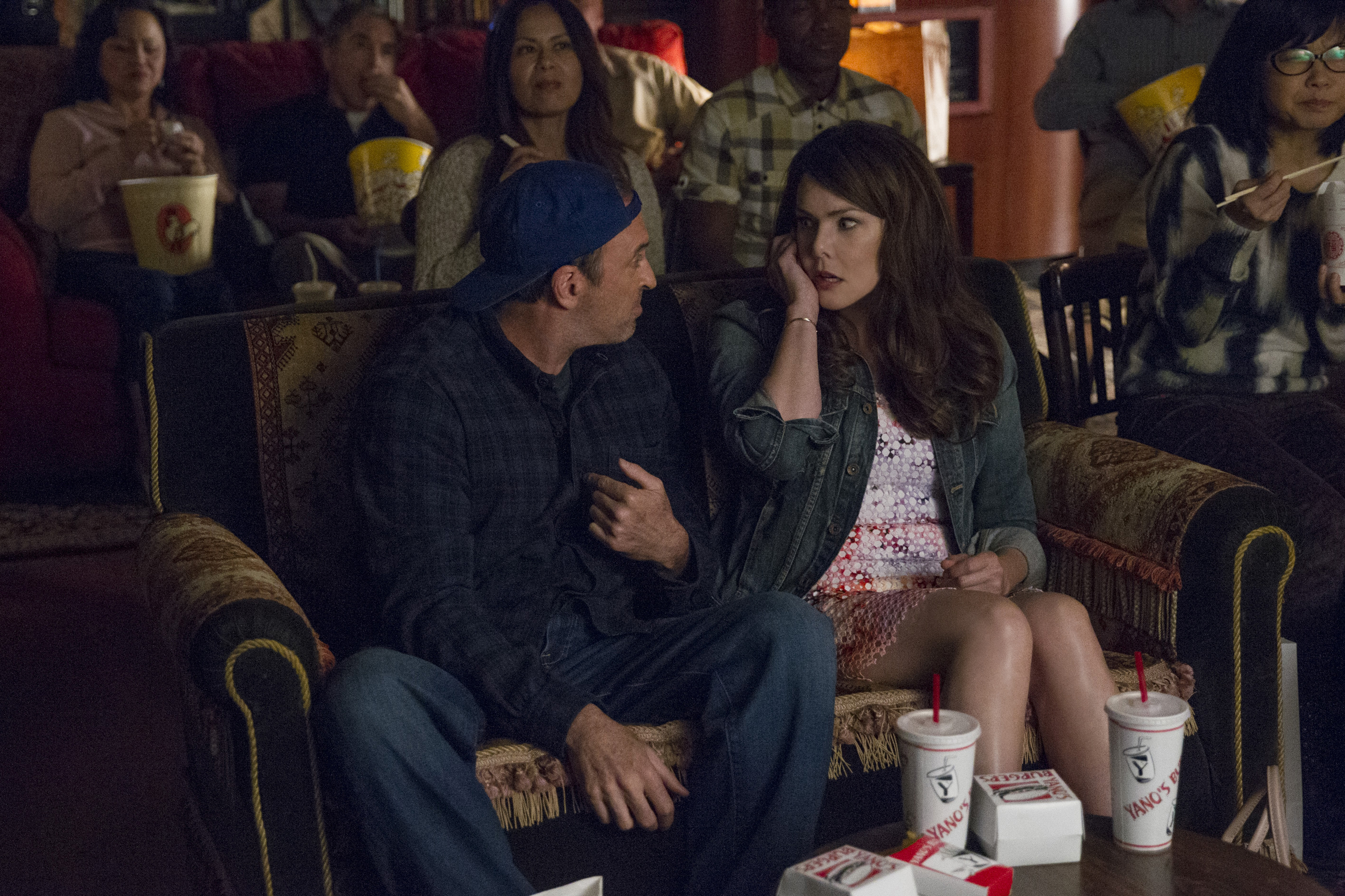 "There's a new ""Gilmore Girls"" clip that shows *that moment* just before Lorelai's phone call"