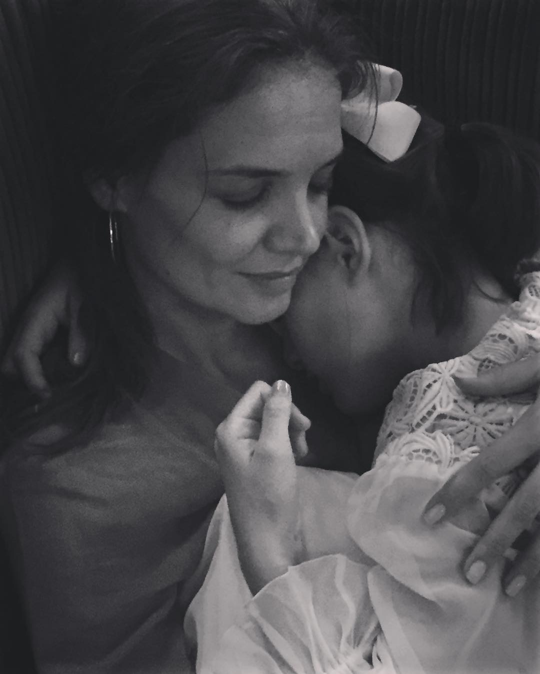 Katie Holmes posted this mother-daughter pic with Suri and our hearts have grown ten sizes