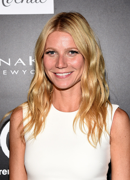Gwyneth Paltrow, queen of class, thanks her ex husband and current boyfriend this Thanksgiving