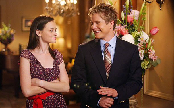 "Oh, so THAT'S what Logan's been up to in ""Gilmore Girls"""