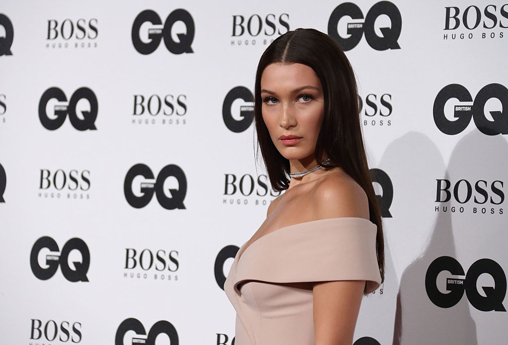 Bella Hadid tried out a new hair color for Thanksgiving and she looks AMAZING