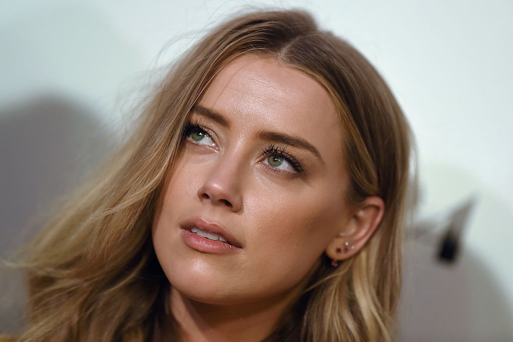 Amber Heard wore her pants purposefully unzipped — is this a new thing?