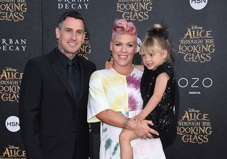 This photo of Pink's daughter preparing to be a big sister is both hilarious and heartwarming