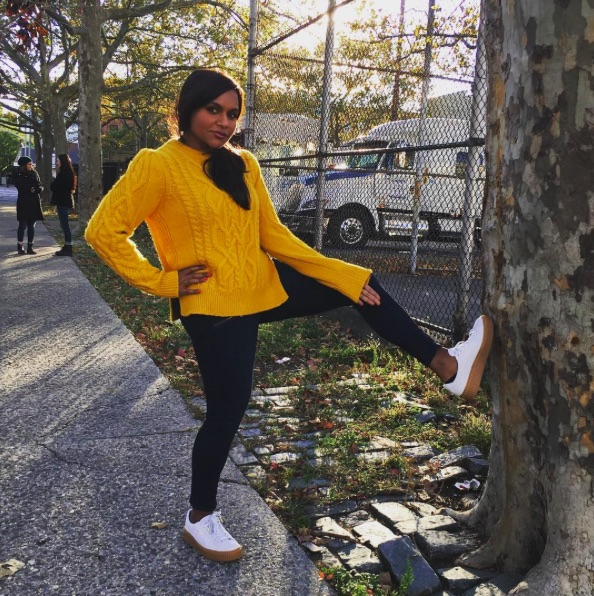 "Mindy Kaling's ""hanging out in Central Park"" outfit is giving us major Super Girl vibes"