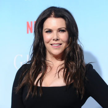 """Lauren Graham almost had to drop out of """"Gilmore Girls"""" and that is our darkest timeline"""