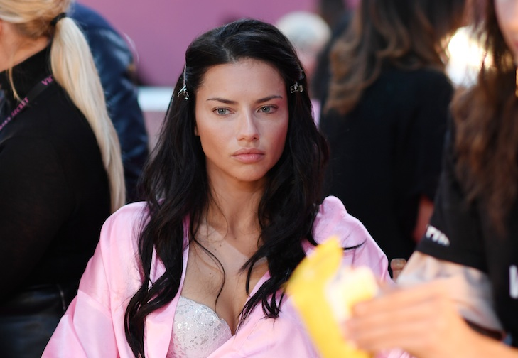 "Adriana Lima defended Kendall Jenner against criticism that she's not a ""real"" model, and we're loving it"