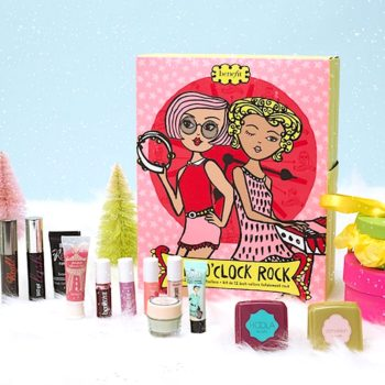 This is how to do a full face of makeup with Benefit's adorable Girl O'Clock Rock advent calendar