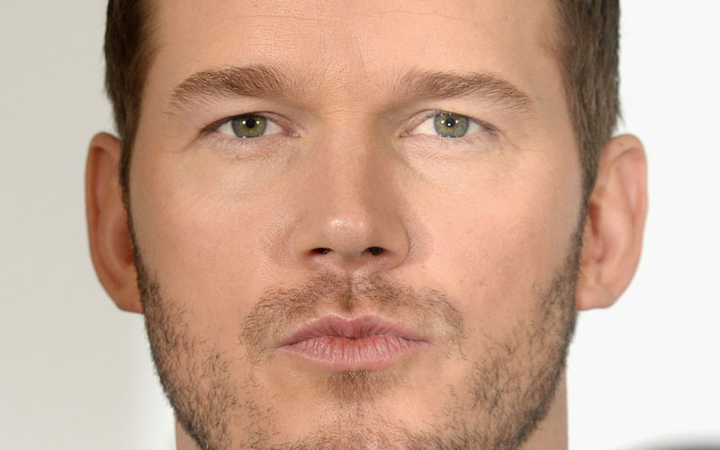 "Chris Pratt has been making some hilariously adorable faces on the ""Passengers"" red carpets and it's just fantastic"