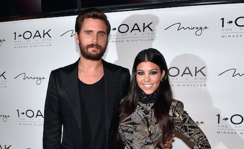 It's official guys: Scott Disick and Kourtney Kardashian are back together