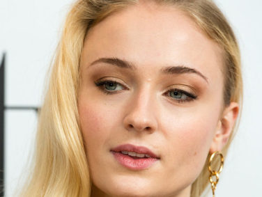 Sophie Turner is the queen of '70s fashion in these high-waisted flares