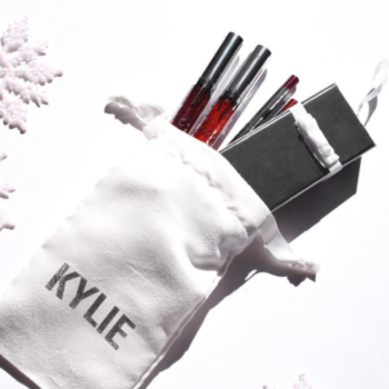 This is not a drill: Kylie Jenner's giving away her entire holiday collection for free