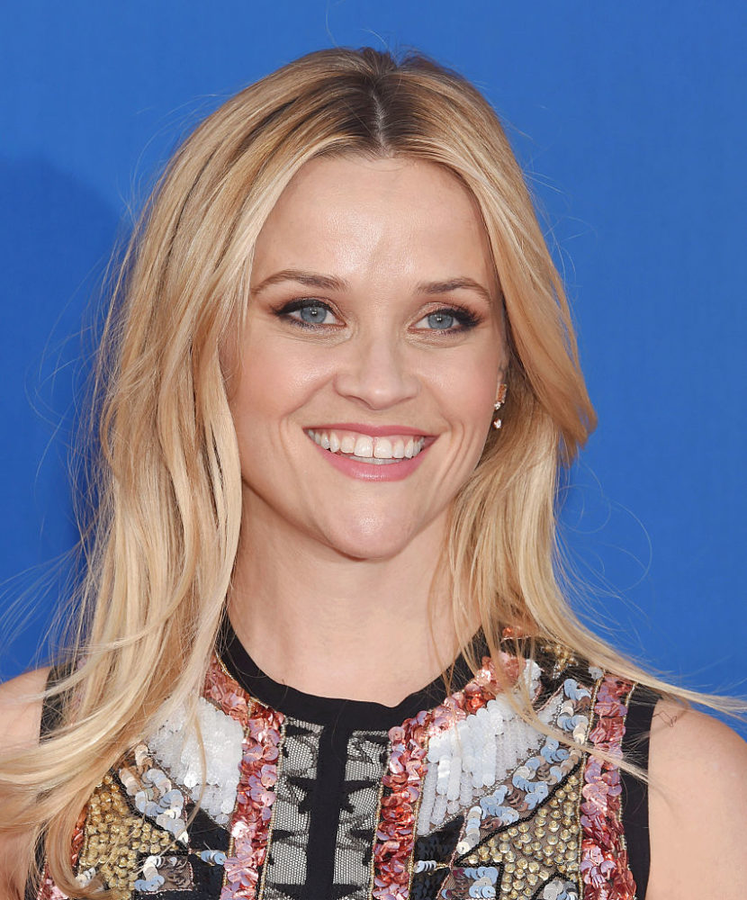 "Reese Witherspoon is a literal shooting star at the ""Sing"" premiere and we love it"