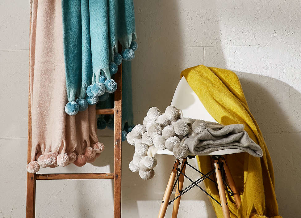 7 stylish, warm blankets to decorate your living space this winter
