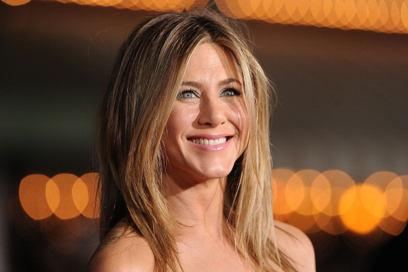 Jennifer Aniston went on 'SNL' with a very serious request about her 'Friends' character