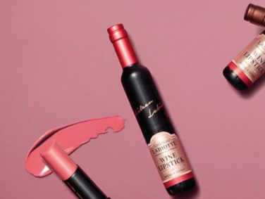 These lip tints made of wine are something out of our best dreams