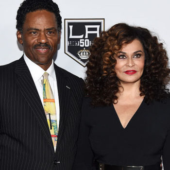 Beyonce's mom Tina Knowles went on a date to Buffalo Wild Wings – she is all of us