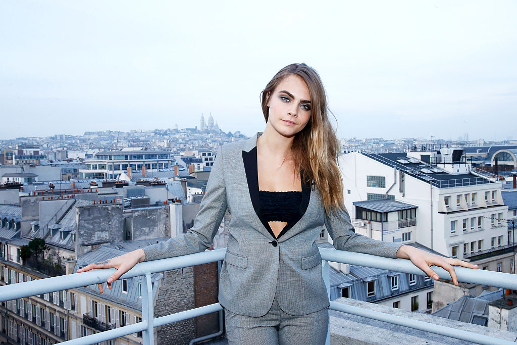 Cara Delevingne looks like a completely different person at the Chanel show