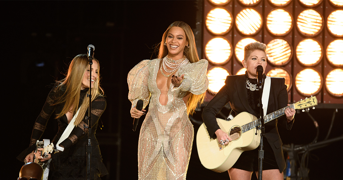 """Beyoncé's """"Daddy Lessons"""" was allegedly rejected by the Grammy Country Committee"""