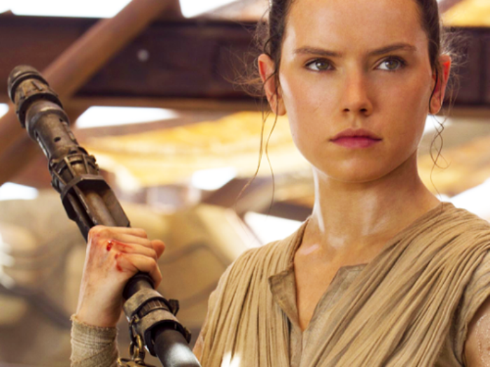 """Daisy Ridley has no idea why we haven't figured out who Rey's parents are in """"The Force Awakens"""""""