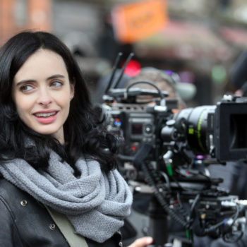 "Here's an early holiday present: We've got NEW ""Jessica Jones"" pictures"
