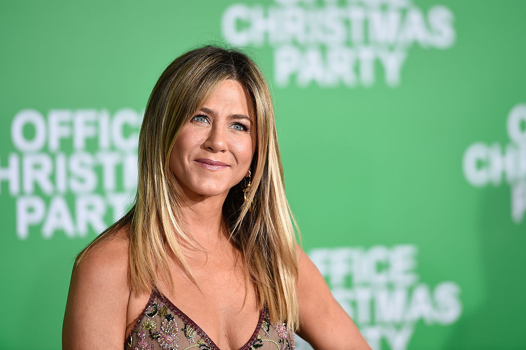 Jennifer Aniston is taking us back to the '90s in this printed maxi dress