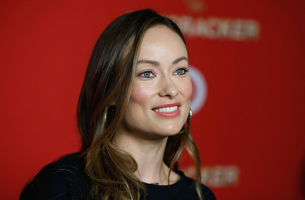 Olivia Wilde just appeared on the red carpet for the first time since giving birth, looks CONFIDENT AF