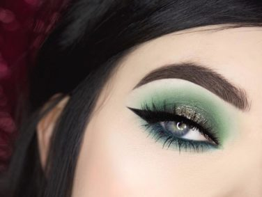 "Here are all of the ""Greenery"" Instagram eyeshadow looks that are perfect for Pantone's 2017 color of the year"
