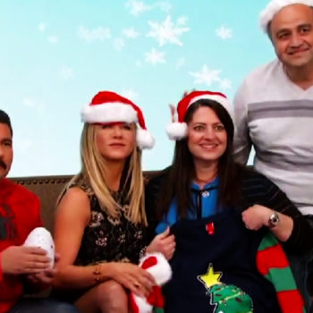 "Jennifer Aniston posed for a fan's holiday card on ""Jimmy Kimmel Live,"" and we totally wish it was us"