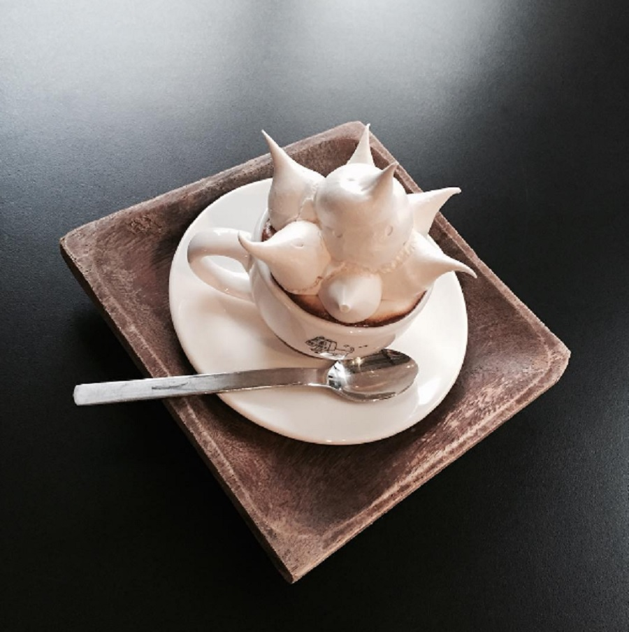 """Meringue coffee"" is about to be your new favorite Instagram trend, but it's almost too beautiful to drink"