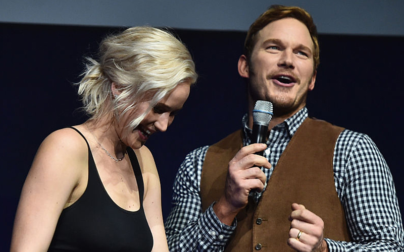 "Jennifer Lawrence jokingly ~embarrassed~ Chris Pratt on the ""Passengers"" set and the story will make you LOL"