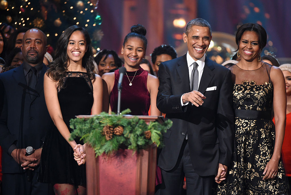 The Obama's very last White House Christmas card made the perfect statement