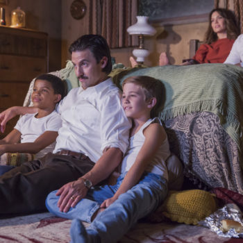 "This behind-the-scenes pic of the whole ""This Is Us"" family is too much for our hearts"