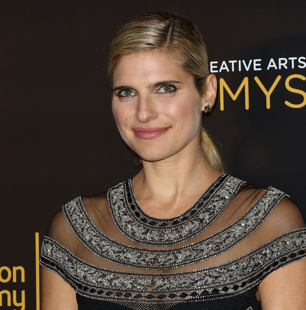 Lake Bell announced her pregnancy in the most casual way possible and we love it