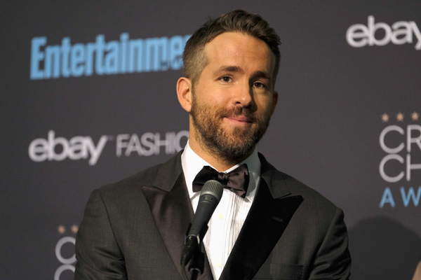 Ryan Reynolds celebrates first Golden Globe nomination with a tickle fight and yeah, sounds about right