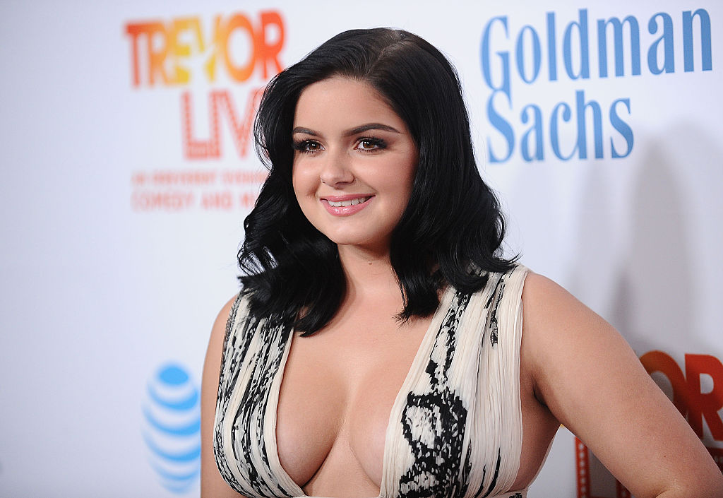 Ariel Winter just got the perfect bangs, and changed up her whole look
