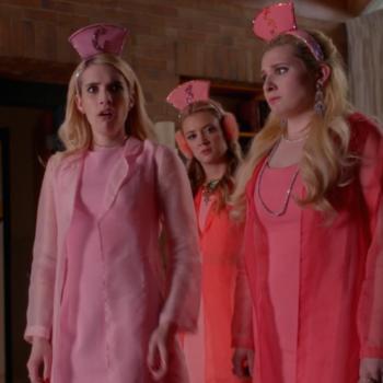 "This is how to snag the ~to die for~ style in the ""Scream Queens"" episode ""Lovin the D"""