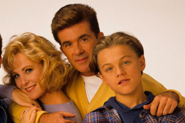 "The way the ""Growing Pains"" cast honored Alan Thicke is making us sob"