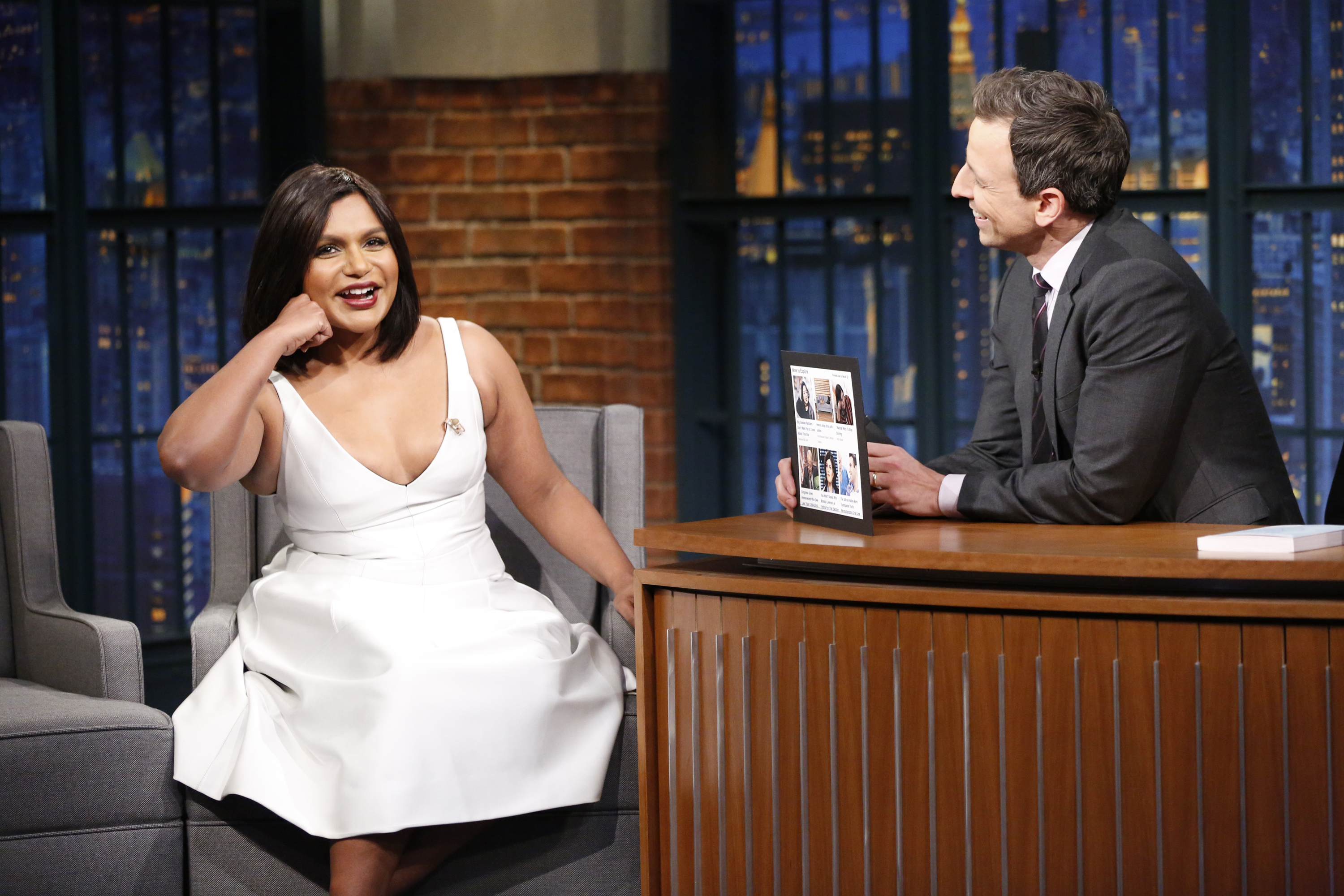 """Mindy Kaling jokes that people think she's Sandra Bullock's assistant on the set of """"Ocean's Eight"""""""