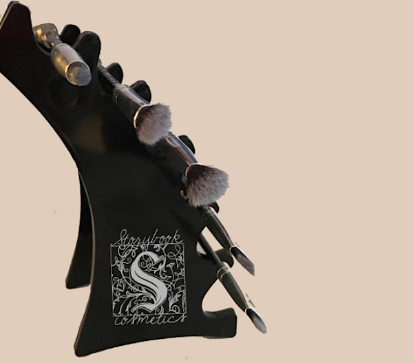 "OMG: Storybook Cosmetics might be coming out with ""Star Wars""-themed makeup brushes"