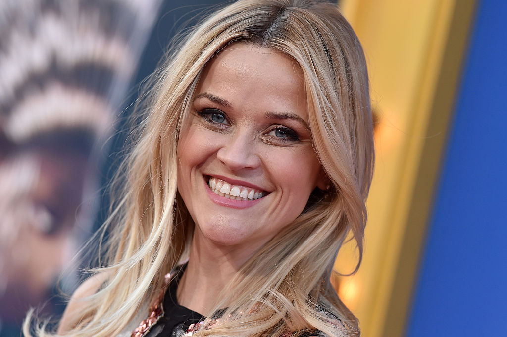 Reese Witherspoon's black and white dress actually won the cut out shoulders trend