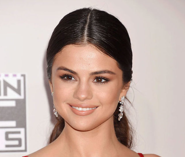 Selena Gomez has a new, shorter haircut and we're obsessed