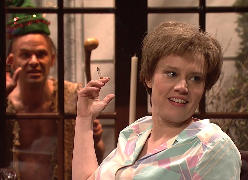 Kate McKinnon's SNL encounter with Santa's helper went terribly wrong and we are laughing so hard