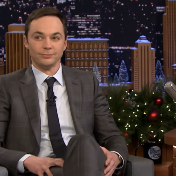 """Jim Parsons played """"5-Second Summaries"""" with Jimmy Fallon, and did such an amazing job"""