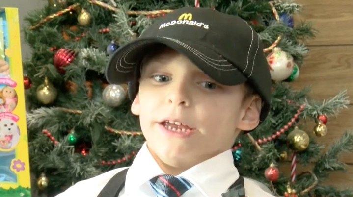 """This seven-year-old got a """"job"""" at McDonald's for the most heartwarming reason ever"""