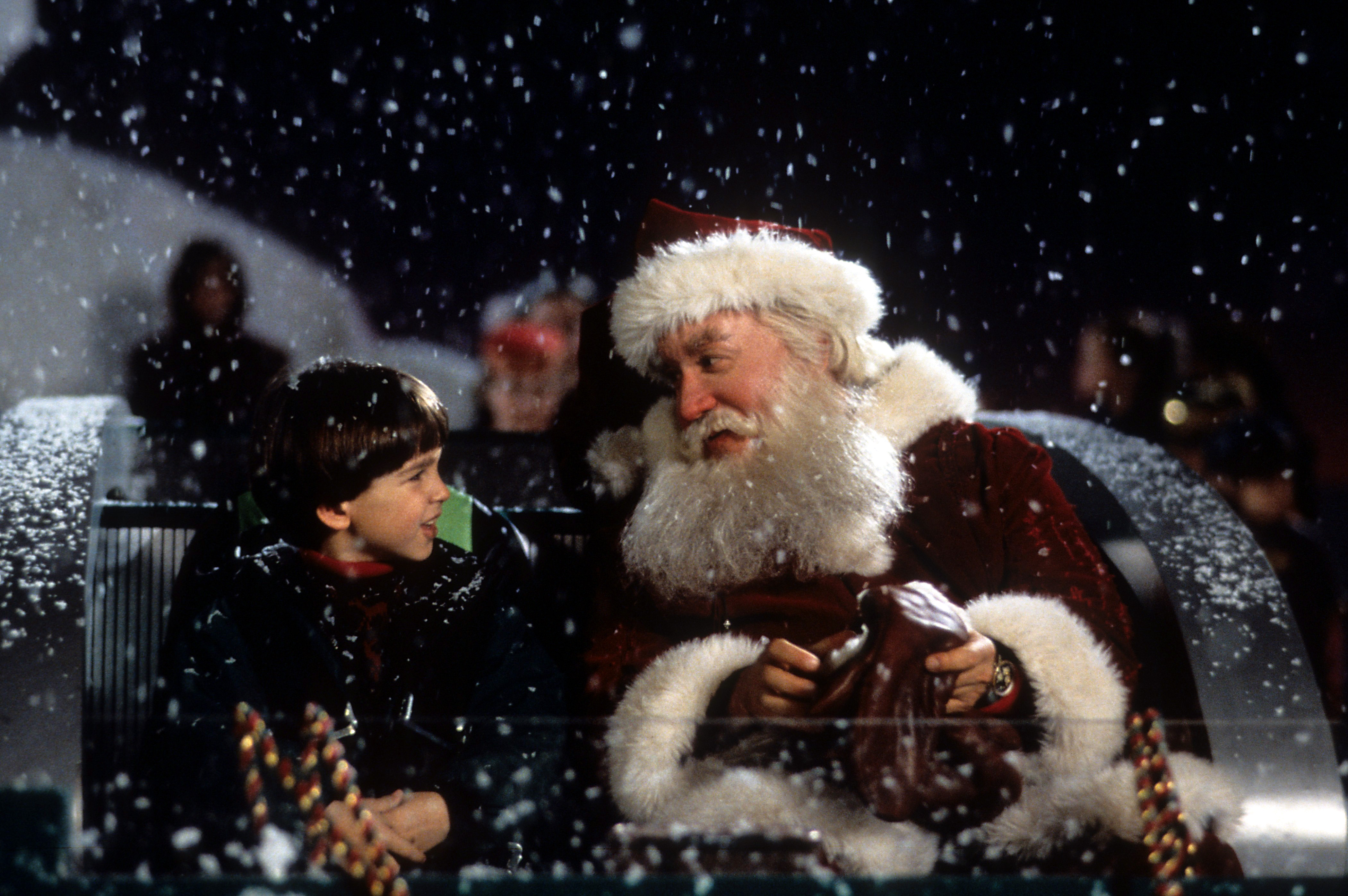 'The Santa Clause' recut as a horror movie is so unbelievably convincing