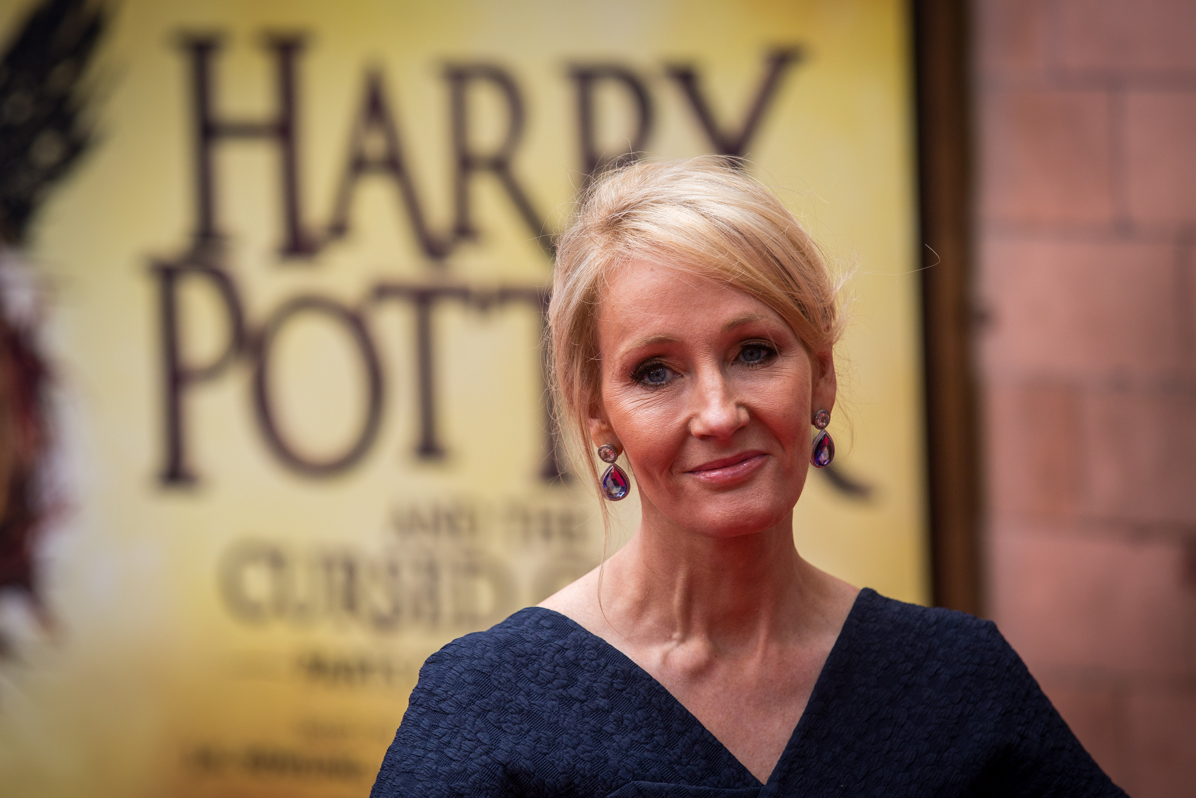 "J.K. Rowling's new website contains a page *just* for debunking ""Harry Potter"" rumors, because she needs it"