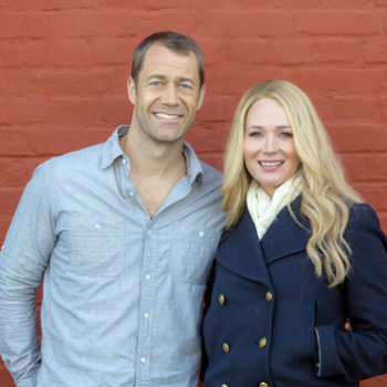"""Singer Jewel is in a Hallmark movie called """"Framed for Murder"""" and we're dying to watch it"""